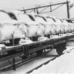 Bahnverladung von Goggomobilen für den Export (1956)